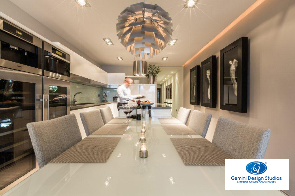 A fully-equipped state-of-the-art kitchen and dining room